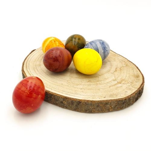 6 bunte gefärbte Eier